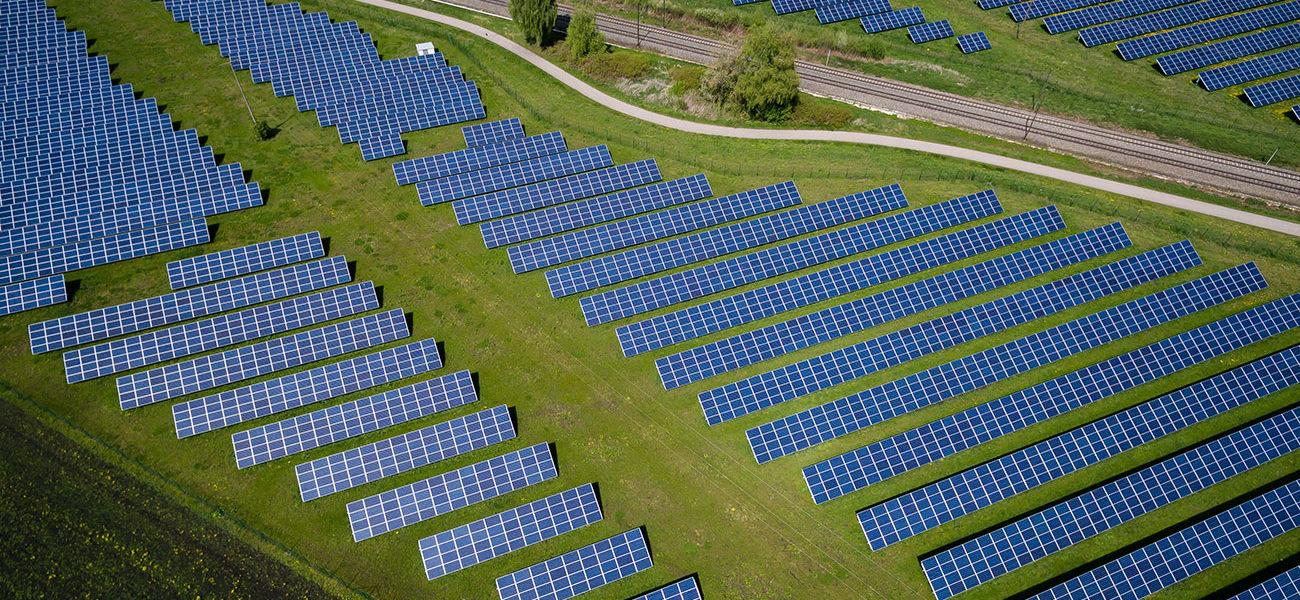 Solarpark aus der Luft