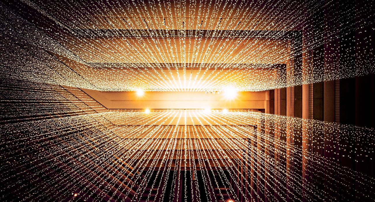 Sternenartiges Lichtsystem in einem Treppenhaus